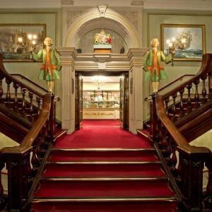 fortnum-mason-escaliers-magasin-londres