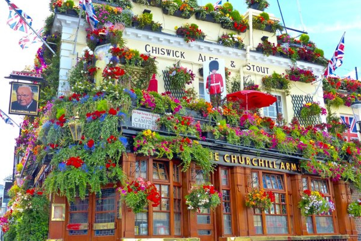 The Churchill Arms : un pub historique à Notting Hill