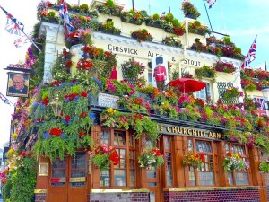 churchill-arms-pub-londres-exterieur