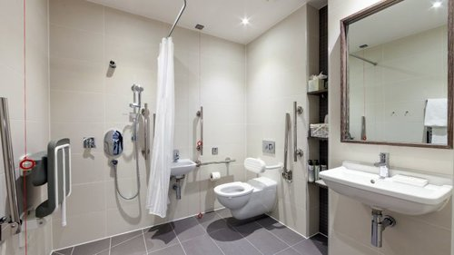hotel-staybridge-londres-salle-de-bain-pmr