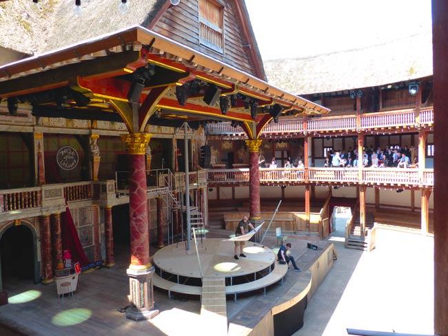shakespeare-globe-scene