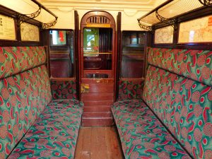 musee-transports-locomotive-interieur