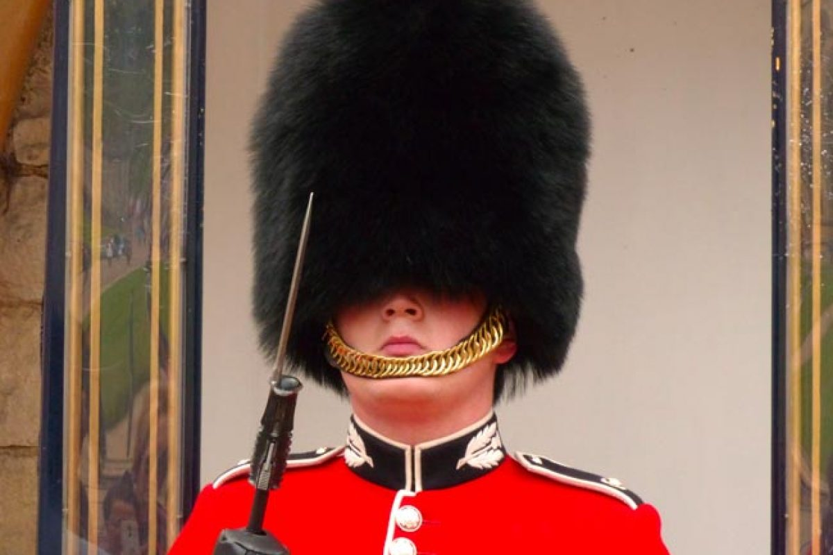 Où voir la relève de la garde à Londres ?